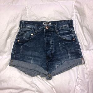 One Teaspoon denim shorts 💗